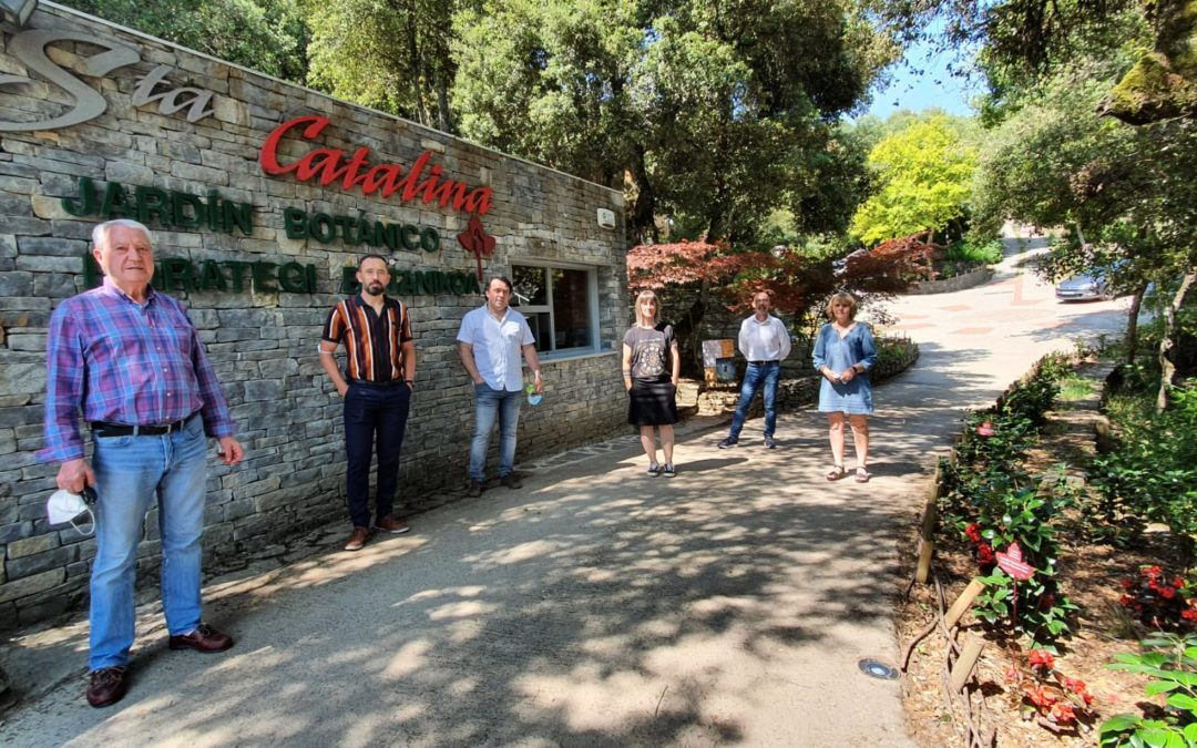 Denis Itxaso, delegado del gobierno, visita el Jardín de Santa Catalina